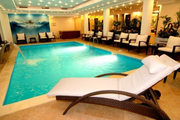 Hotel rowa dany sinaia cazare hotel rowa dany sinaia 2015 for Cazare bran cu piscina